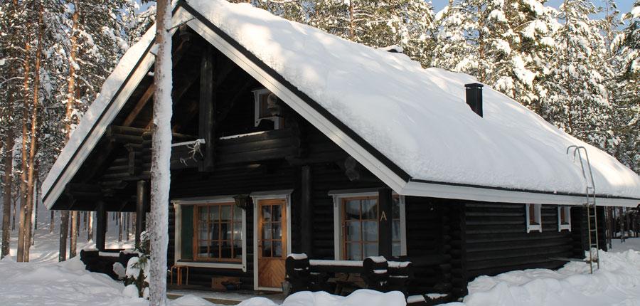 finland_lapland_pyhä_Log_Cabins _(4 stars)_3-room_mezzanine_superior_cabin_exterior2.jpg